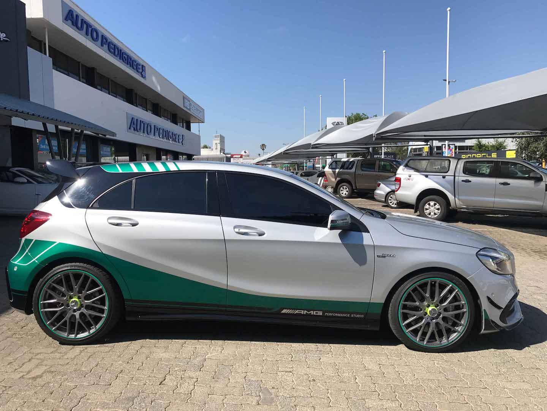 Prestige marques mercedes benz a45 amg petronas edition for Mercedes benz petronas