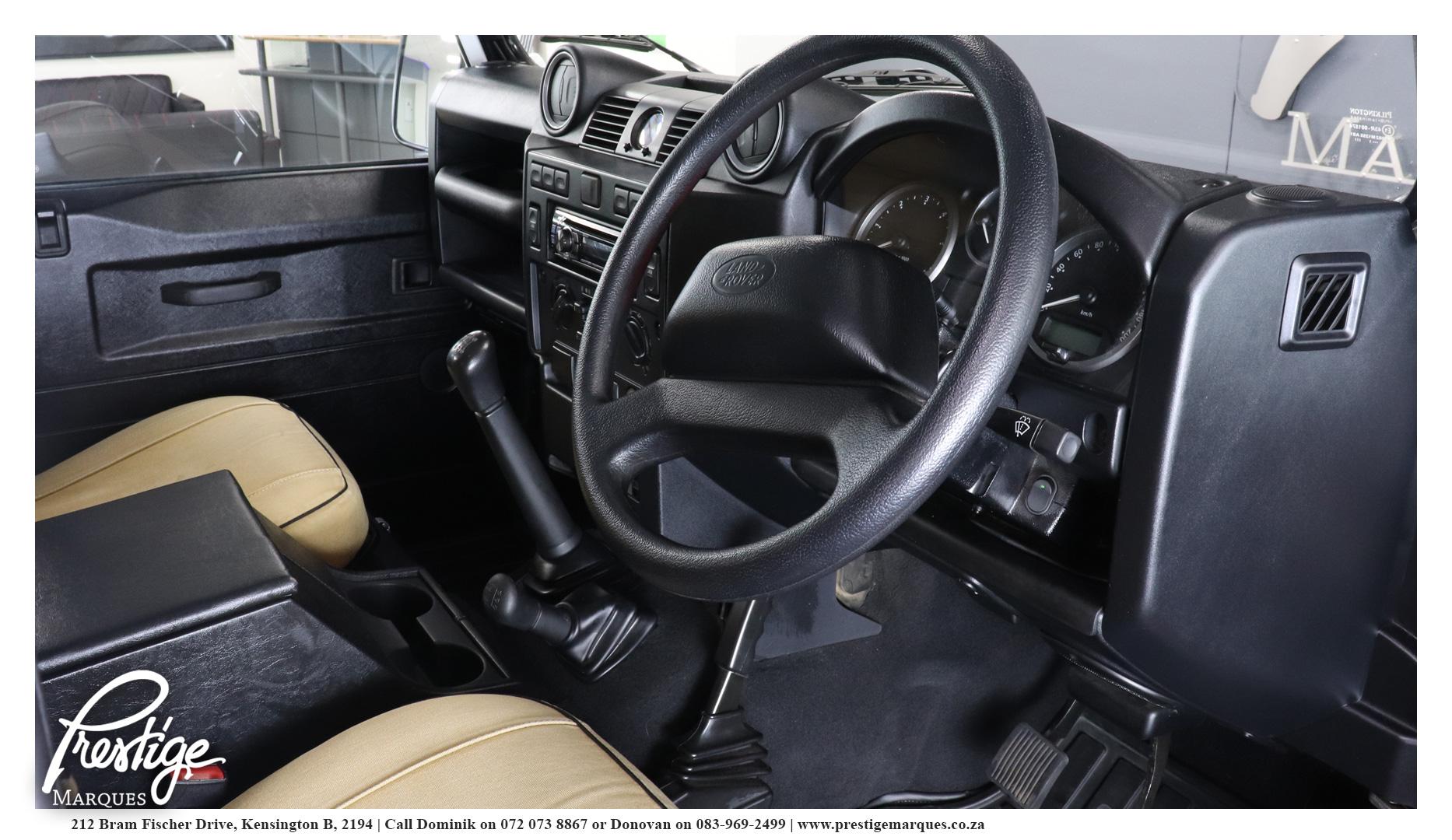 Land-Rover-Defender-110-2.5D-Prestige-Marques-10