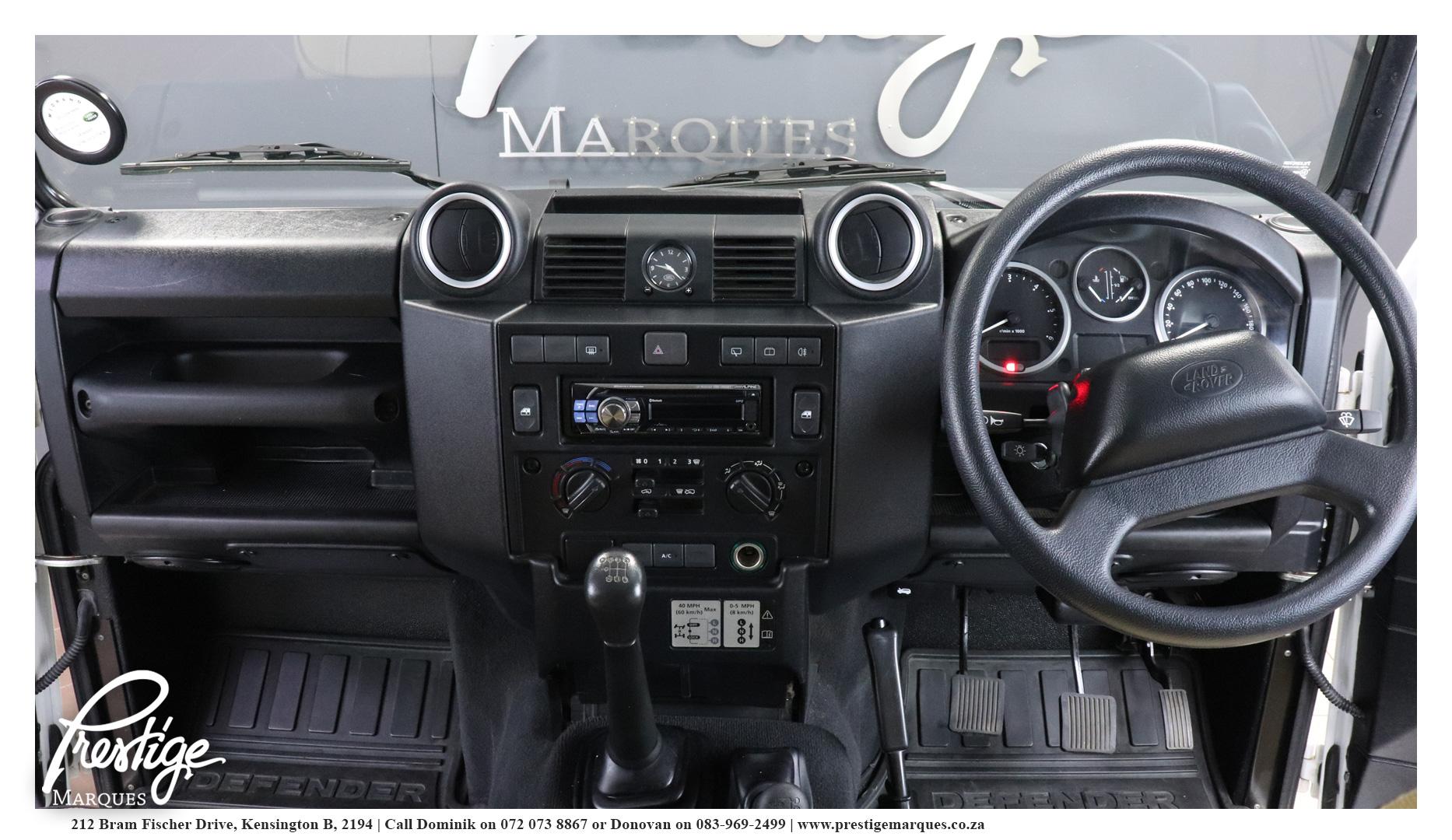 Land-Rover-Defender-110-2.5D-Prestige-Marques-12